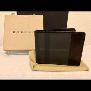 Burberry bifold wallet